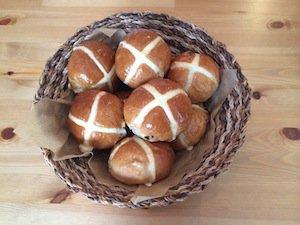【お菓子の通販】数量限定! 追加販売到着4月16日から Hot cross buns, box of 6 ホットクロスバンズ 6個入り箱