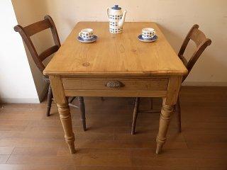 アンティークパイン W100小ぶりのテーブル