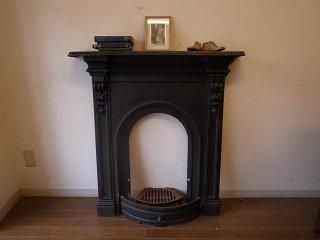 アンティーク アイアン マントルピース(暖炉枠)-ブラック