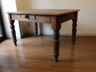 アンティークパイン W118濃い目のテーブル