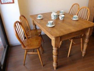 アンティークパイン どっしりとしたW122テーブル