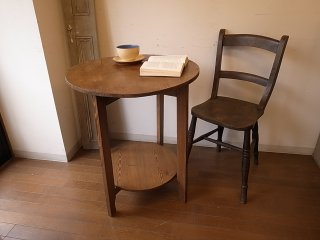 アンティークパイン 小さな丸テーブル