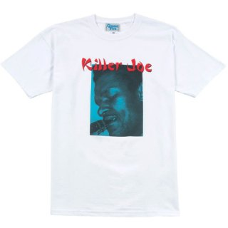 <img class='new_mark_img1' src='https://img.shop-pro.jp/img/new/icons1.gif' style='border:none;display:inline;margin:0px;padding:0px;width:auto;' />GIMME FIVE<br>KILLER JOE TEE<br>WHITE