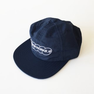 <img class='new_mark_img1' src='https://img.shop-pro.jp/img/new/icons1.gif' style='border:none;display:inline;margin:0px;padding:0px;width:auto;' />BOOK WORKS<br>Record Logo Embroidered Hat<br>NAVY