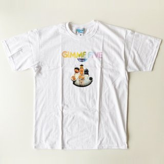 <img class='new_mark_img1' src='https://img.shop-pro.jp/img/new/icons1.gif' style='border:none;display:inline;margin:0px;padding:0px;width:auto;' />GIMME FIVE<br>SESAME STREET FEVER T-SHIRT<br>WHITE