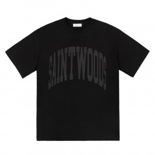 <img class='new_mark_img1' src='https://img.shop-pro.jp/img/new/icons1.gif' style='border:none;display:inline;margin:0px;padding:0px;width:auto;' />SAINTWOODS<br>SW CLASSICS T-SHIRT<br>BLACK