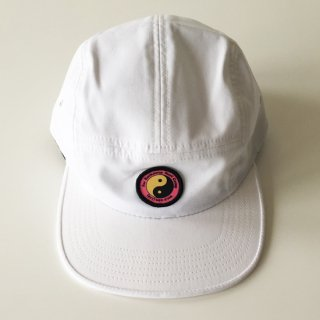 <img class='new_mark_img1' src='//img.shop-pro.jp/img/new/icons47.gif' style='border:none;display:inline;margin:0px;padding:0px;width:auto;' />Call Me 917<br>SURF CAMP HAT<br>WHITE