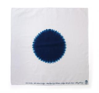 "Bandana Shibori ""Circle""<br />Color: White w/Dark Blue"