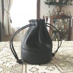 レザー巾着ポーチ(ブラック)