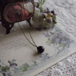 ヴィクトリアン・アンティーク 黒ガラスボタンのネックレス