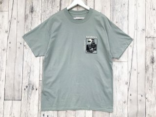 NO ROLL [ノーロール] NOROLL FLOCK LOGO TEE/SW-GREEN