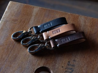 <img class='new_mark_img1' src='https://img.shop-pro.jp/img/new/icons60.gif' style='border:none;display:inline;margin:0px;padding:0px;width:auto;' />UES/ウエス『Leather Belt Loop Hook/革ベルトループフック』全3色(タン/ブラック/チョコ)