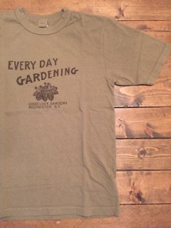 <img class='new_mark_img1' src='https://img.shop-pro.jp/img/new/icons15.gif' style='border:none;display:inline;margin:0px;padding:0px;width:auto;' />UESウエス 『GARDENING』 半袖Tシャツ オリーブ メール便可