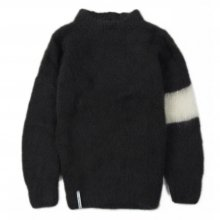 "AKA SIX simon barker ""MOHAIR JUMPER"" -black/white-"