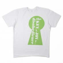 AKA SIX simon barker KEY OF JOY TEE -green-