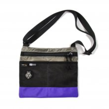 <img class='new_mark_img1' src='//img.shop-pro.jp/img/new/icons14.gif' style='border:none;display:inline;margin:0px;padding:0px;width:auto;' />RIDE BAG SACOSHE -gray rip × neon purple-