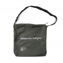 <img class='new_mark_img1' src='https://img.shop-pro.jp/img/new/icons14.gif' style='border:none;display:inline;margin:0px;padding:0px;width:auto;' />CANDYRIM -wareline- SQUARE SHOULDER BAG -olive-