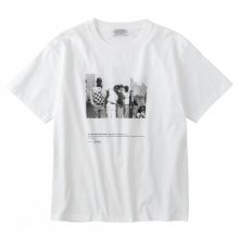 <img class='new_mark_img1' src='https://img.shop-pro.jp/img/new/icons14.gif' style='border:none;display:inline;margin:0px;padding:0px;width:auto;' />POET MEETS DUBWISE WALL STREET YOUTH T-Shirt