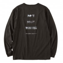 <img class='new_mark_img1' src='https://img.shop-pro.jp/img/new/icons14.gif' style='border:none;display:inline;margin:0px;padding:0px;width:auto;' />POET MEETS DUBWISE PMD Photo Logo Long Sleeve T-shirt -sumi-
