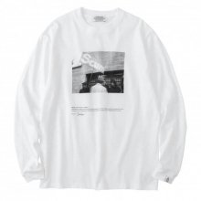 <img class='new_mark_img1' src='https://img.shop-pro.jp/img/new/icons14.gif' style='border:none;display:inline;margin:0px;padding:0px;width:auto;' />POET MEETS DUBWISE SCUM Long Sleeve T-Shirt