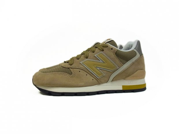 huge discount 8642d 13943 New Balance® for J.Crew 996 sneakers TAUPE GOLD - Candyrim