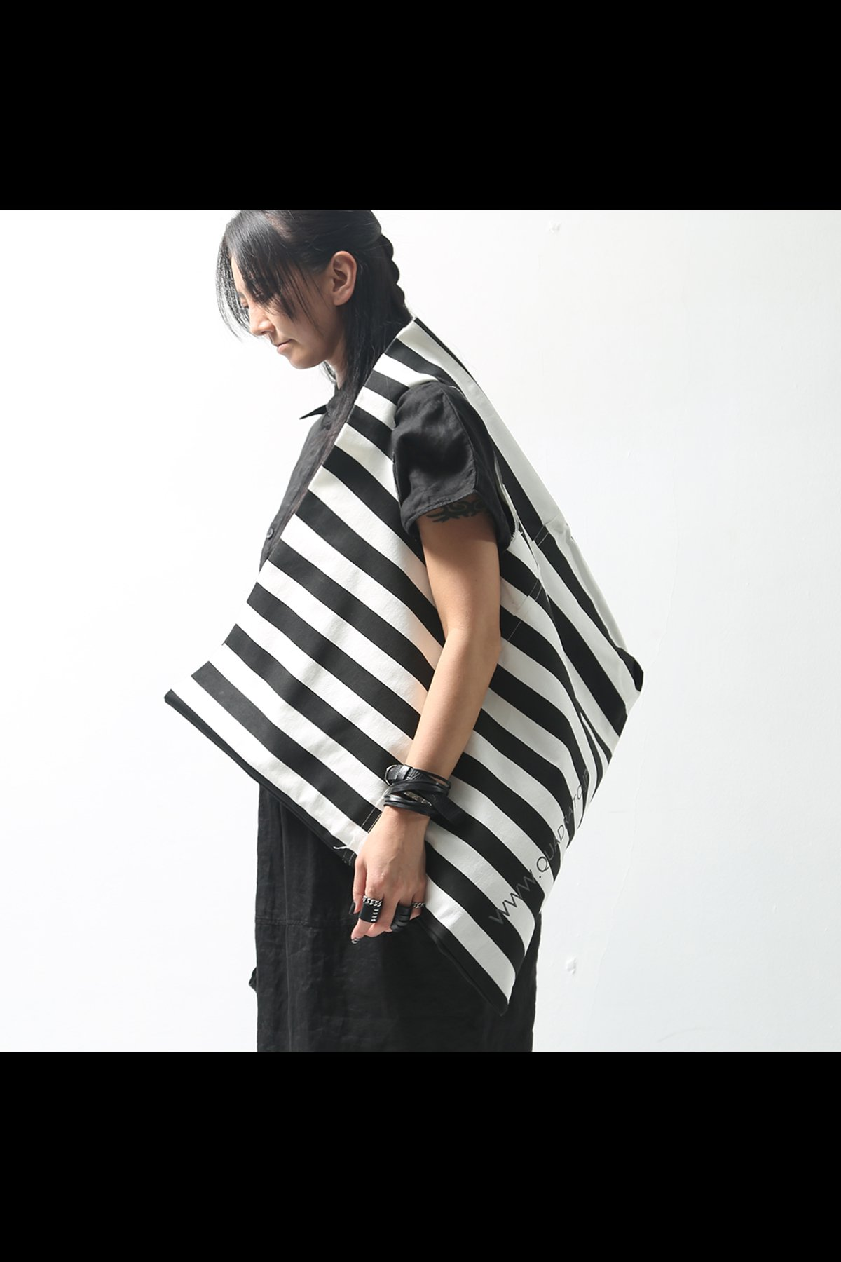 STRIPE SQUARE BAG QRT_002