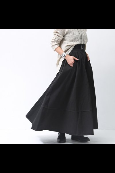 <img class='new_mark_img1' src='//img.shop-pro.jp/img/new/icons8.gif' style='border:none;display:inline;margin:0px;padding:0px;width:auto;' />FLARE STRETCH DENIM SKIRT 18WZUC03_BLACK