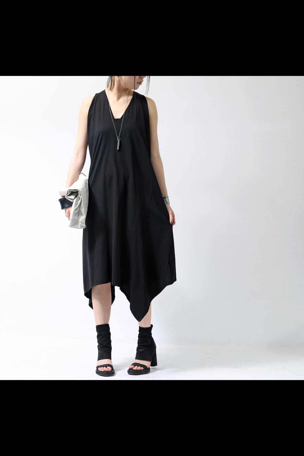 ASYMMETRY V-NECK DRESS  249RO_BLACK