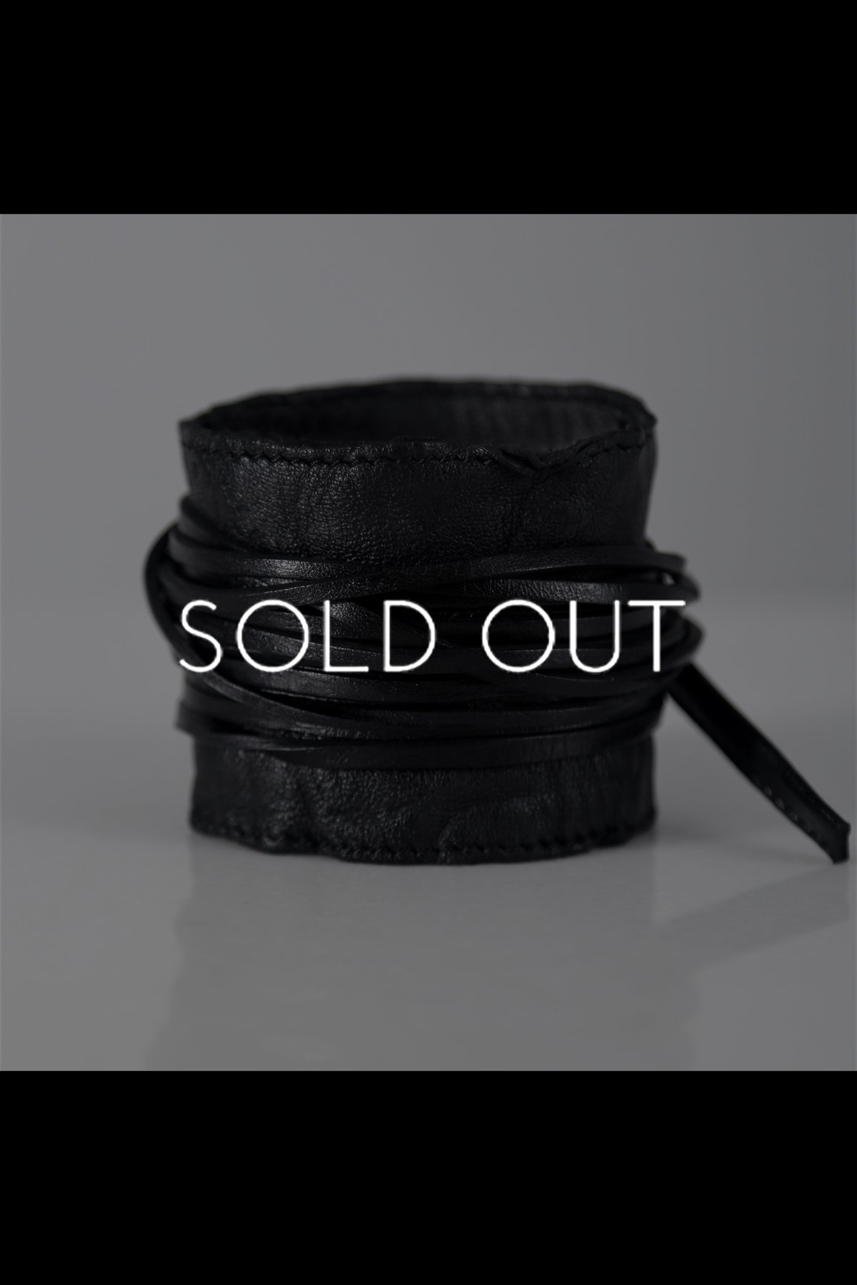 LEATHER BANGLE SE2_S_BLACK