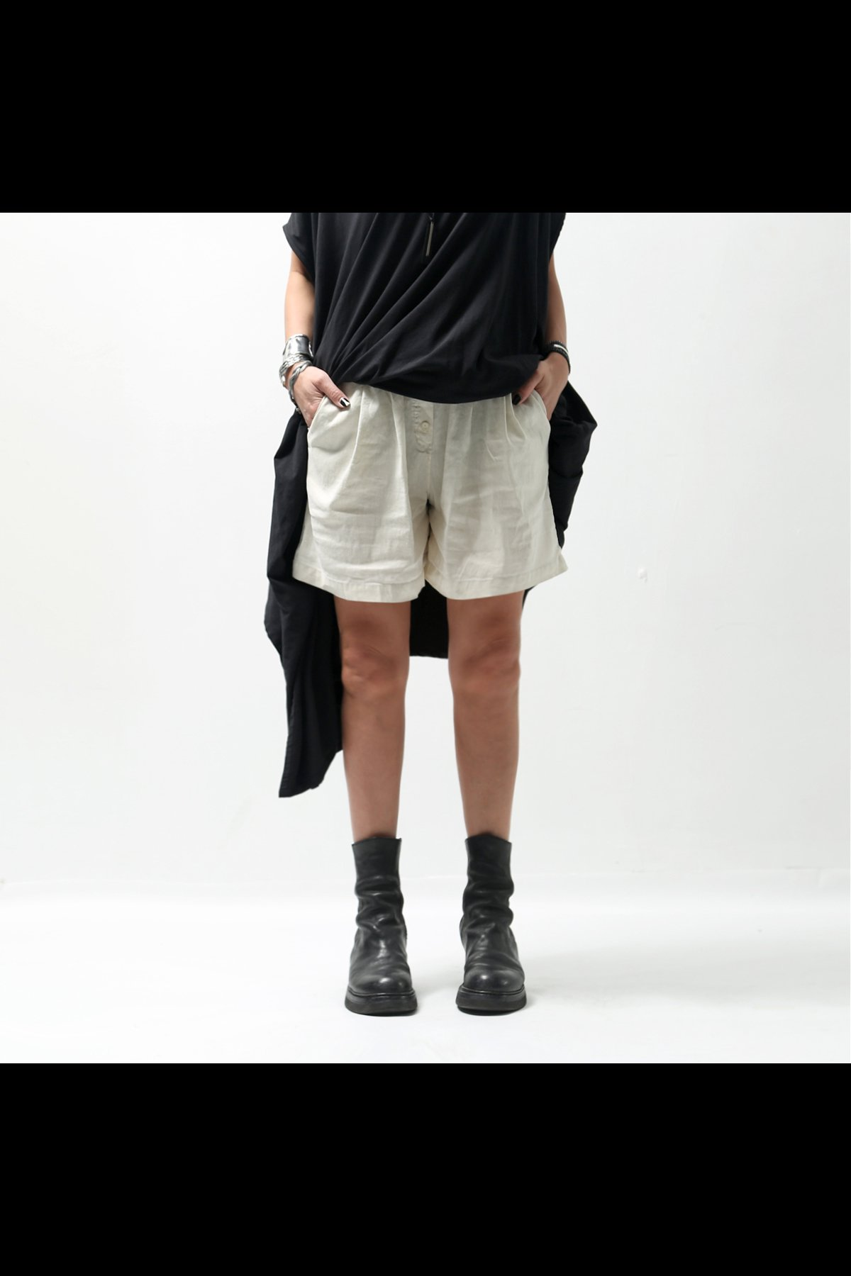 <img class='new_mark_img1' src='https://img.shop-pro.jp/img/new/icons8.gif' style='border:none;display:inline;margin:0px;padding:0px;width:auto;' />STRETCH COTTON LINEN SHORT PANTS 535LOS_OFF WHITE