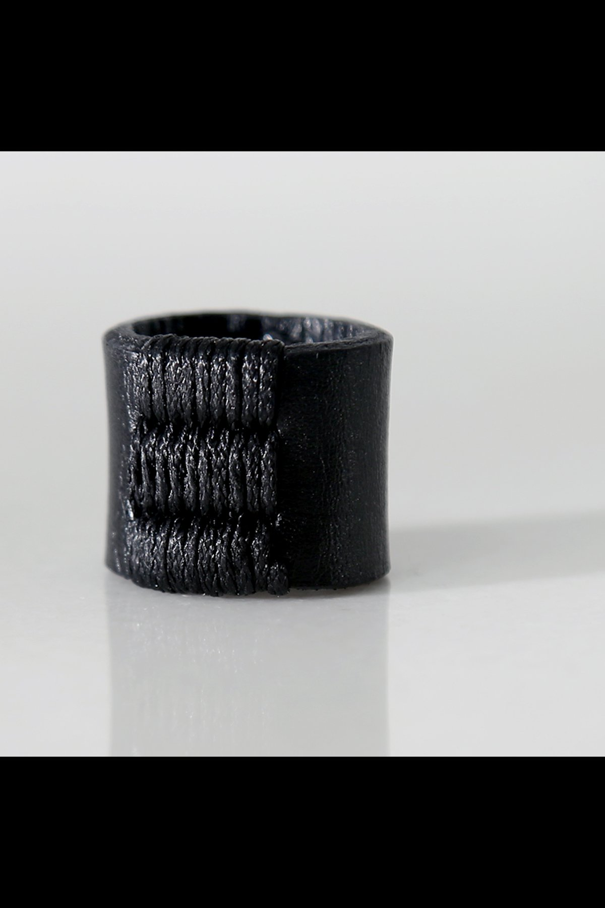 LEATHER STITCHES RING ASE7_BLACK