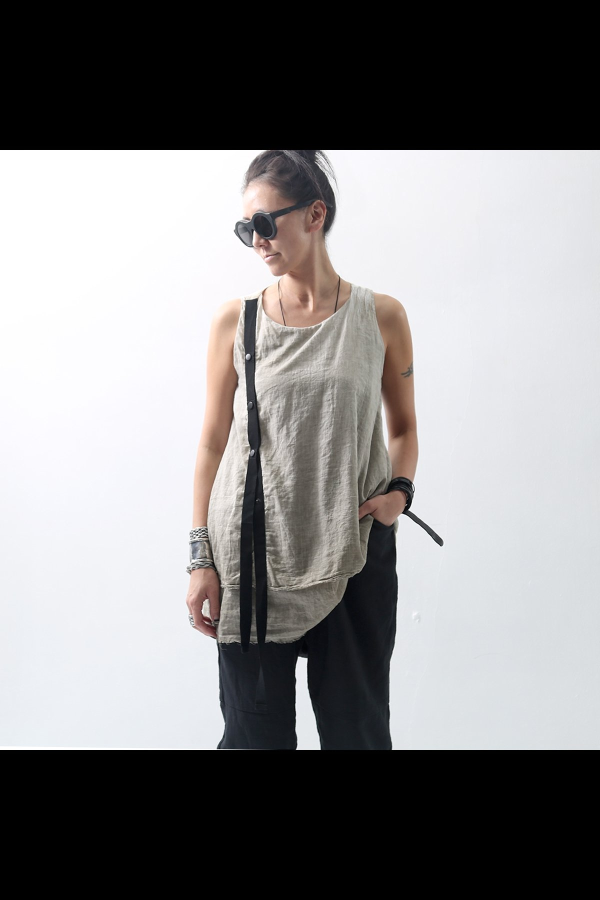 DOUBLE LAYERED SLEEVELESS TOP LB785_BEIGE