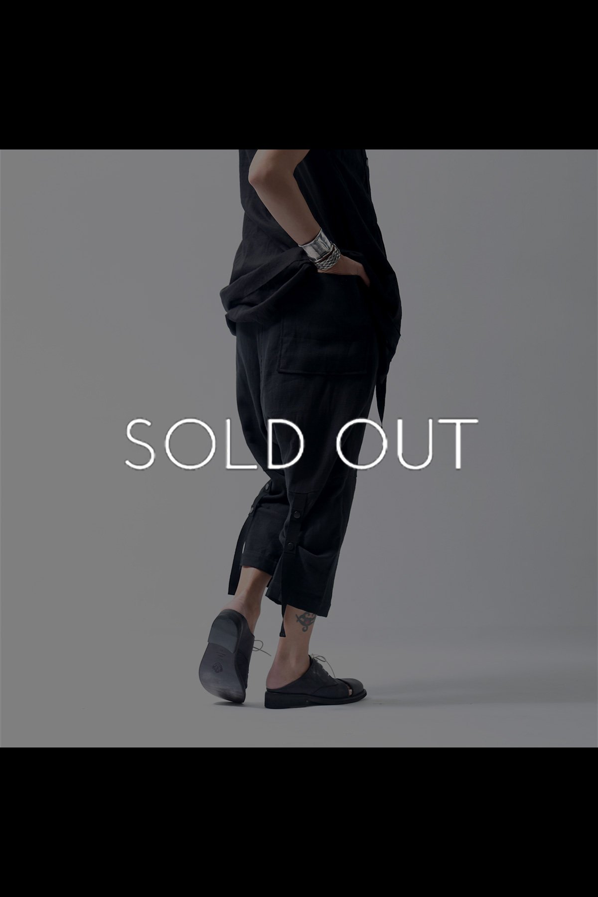 <img class='new_mark_img1' src='https://img.shop-pro.jp/img/new/icons8.gif' style='border:none;display:inline;margin:0px;padding:0px;width:auto;' />UNISEX CROPPED STRETCH PANTS LB743_BLACK