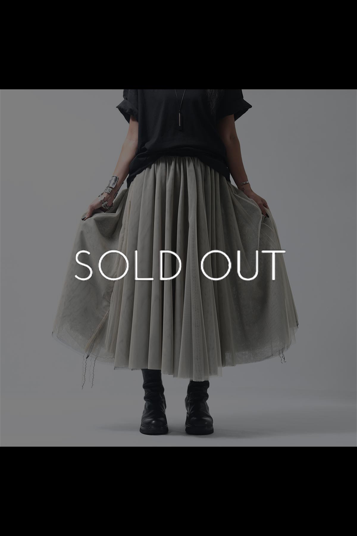 <img class='new_mark_img1' src='https://img.shop-pro.jp/img/new/icons8.gif' style='border:none;display:inline;margin:0px;padding:0px;width:auto;' />REVERSIBLE TULLE SKIRT K57_BLACK/BEIGE