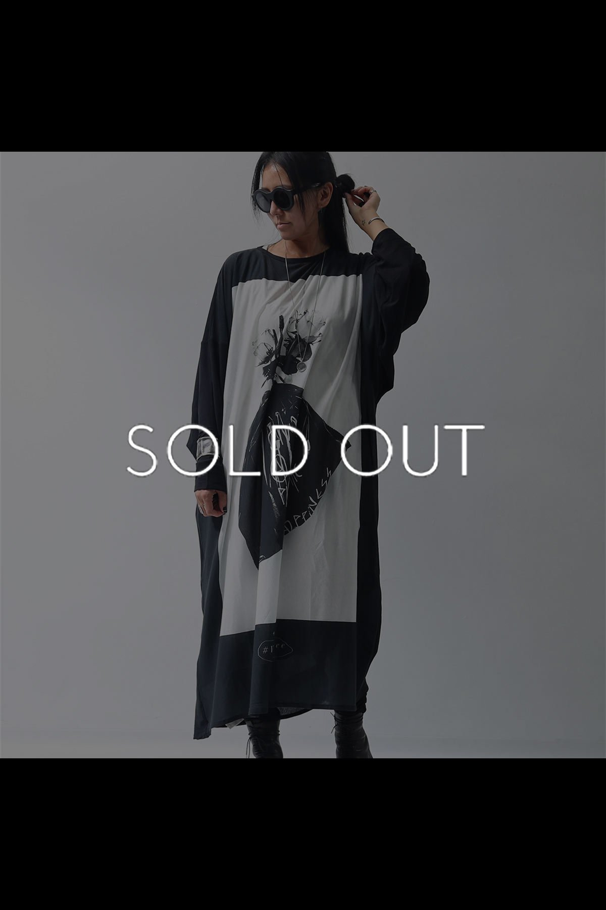 <img class='new_mark_img1' src='https://img.shop-pro.jp/img/new/icons8.gif' style='border:none;display:inline;margin:0px;padding:0px;width:auto;' />LONG TOPS PRINT DRESS H9-73S_BLACK