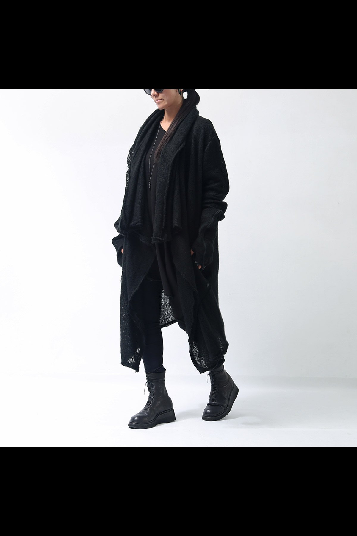 <img class='new_mark_img1' src='https://img.shop-pro.jp/img/new/icons8.gif' style='border:none;display:inline;margin:0px;padding:0px;width:auto;' />KNIT LONG CARDIGAN TS40_BLACK