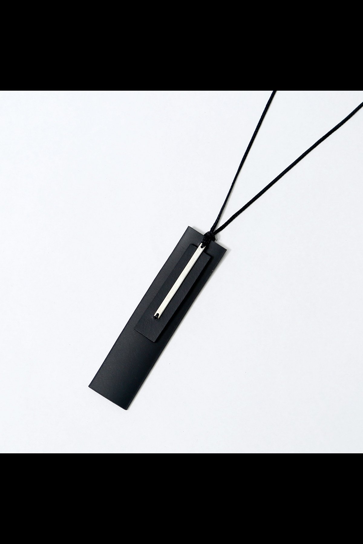 Aumorfia LEATHER+SILVER925 W-PLATE NECKLACE