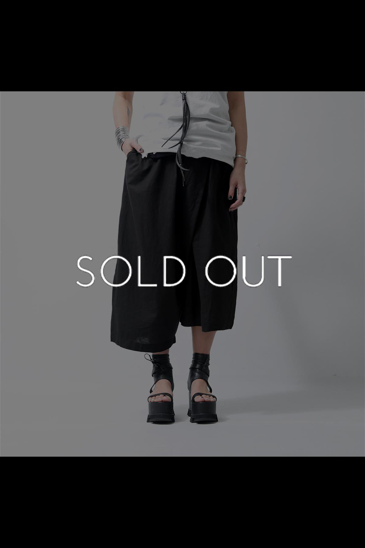 <img class='new_mark_img1' src='https://img.shop-pro.jp/img/new/icons8.gif' style='border:none;display:inline;margin:0px;padding:0px;width:auto;' />COTTON LINEN ASYMMETRY PANTS 545CL_BLACK
