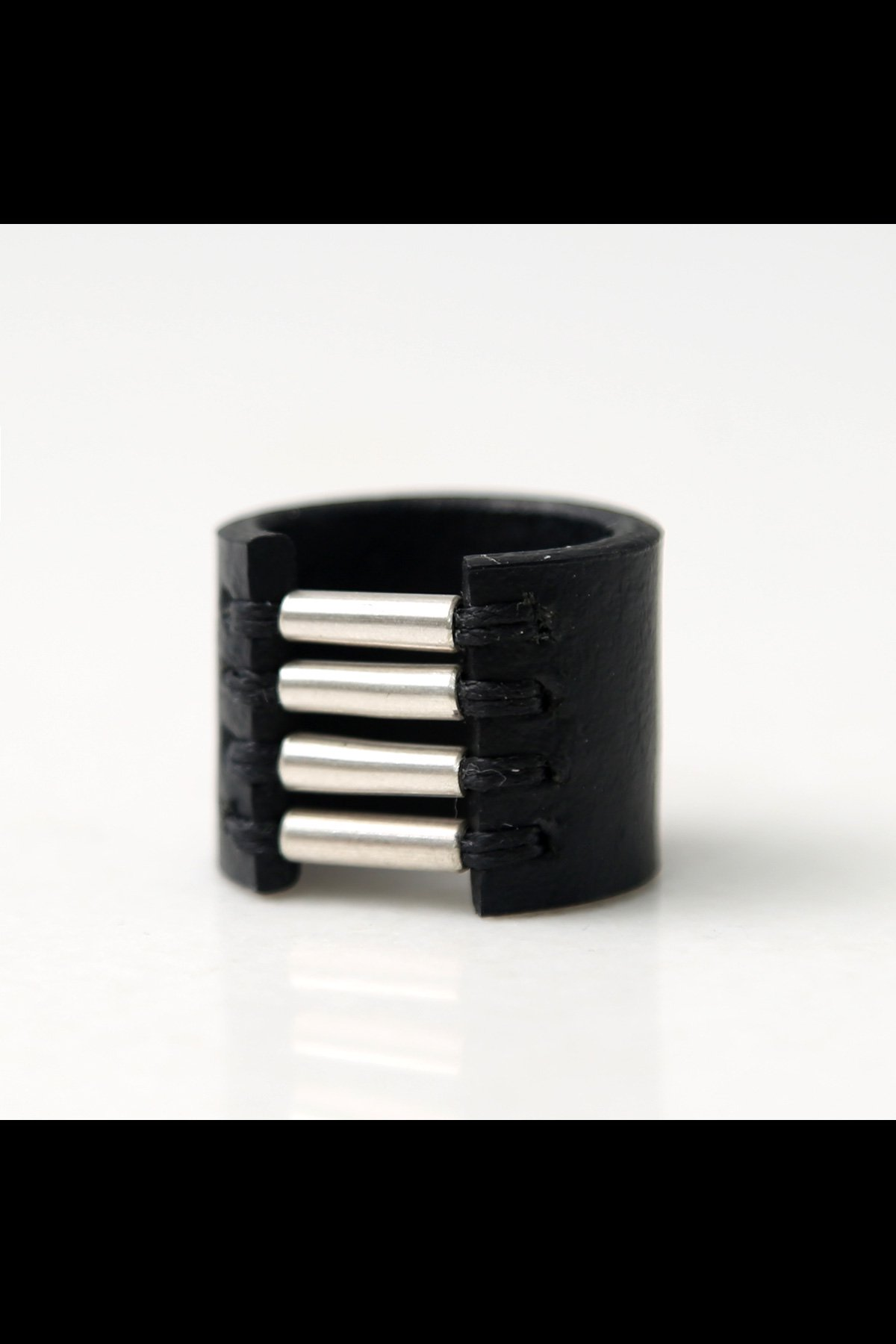 TUBE LEATHER RING