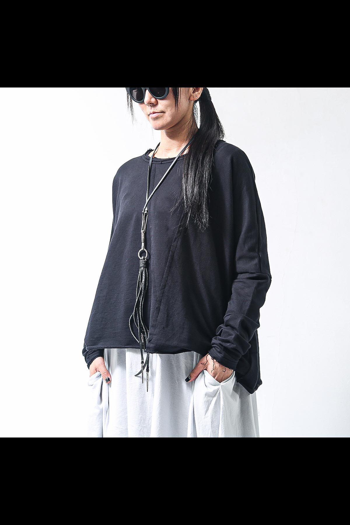 SHORT LENGTH SWEAT TOP SB857/L/M_BLACK