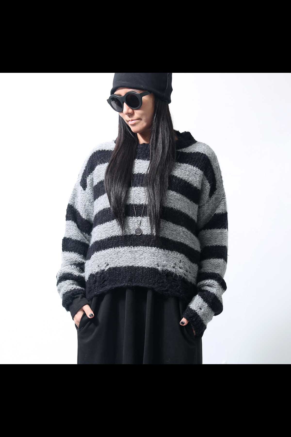 <img class='new_mark_img1' src='https://img.shop-pro.jp/img/new/icons8.gif' style='border:none;display:inline;margin:0px;padding:0px;width:auto;' />STRIPE SHORT KNIT TOPS WK90_BLACK/GREY