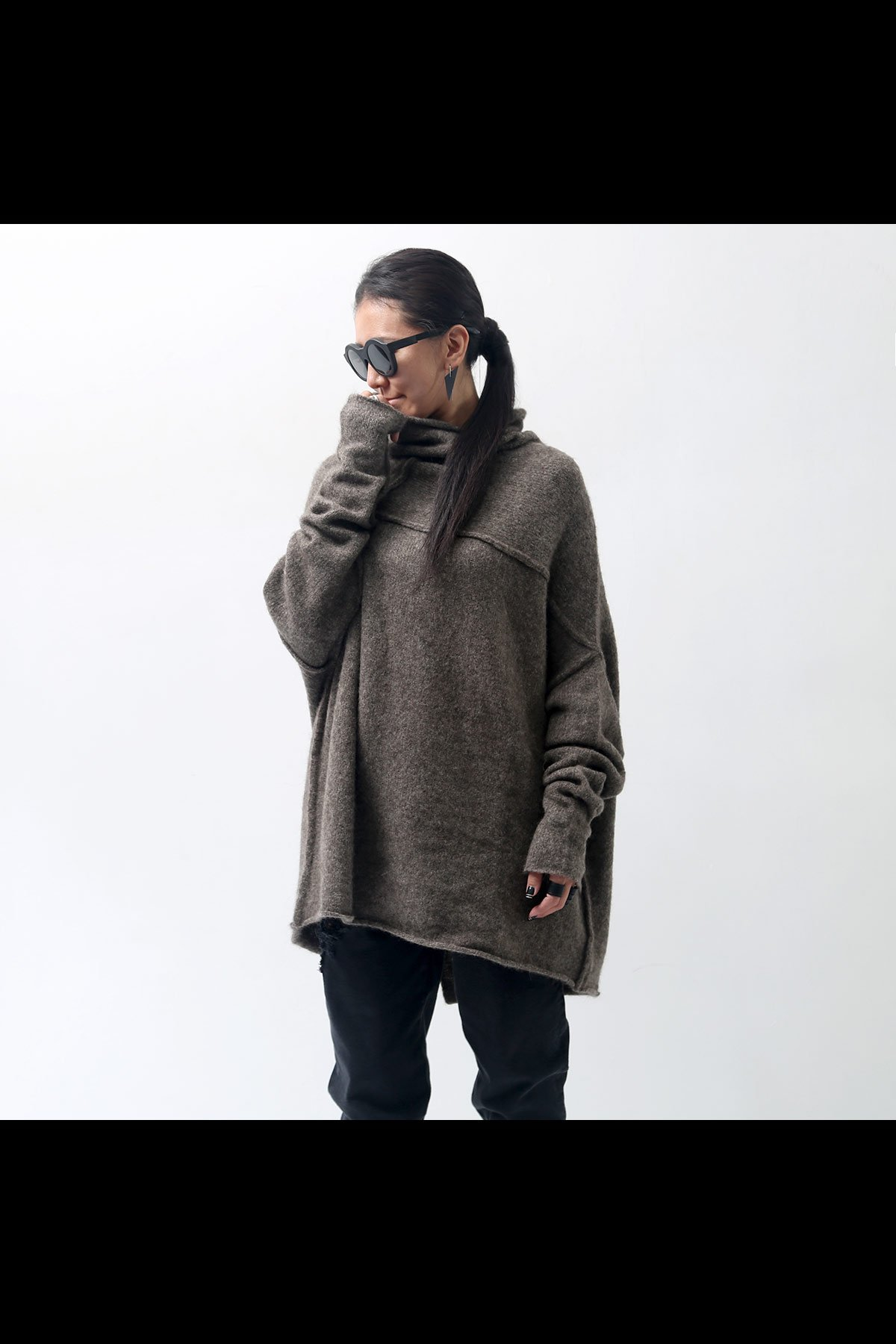 <img class='new_mark_img1' src='https://img.shop-pro.jp/img/new/icons8.gif' style='border:none;display:inline;margin:0px;padding:0px;width:auto;' />CASHMERE&BABY LAMA KNIT MID TOPS 132 0701_ANTHRA