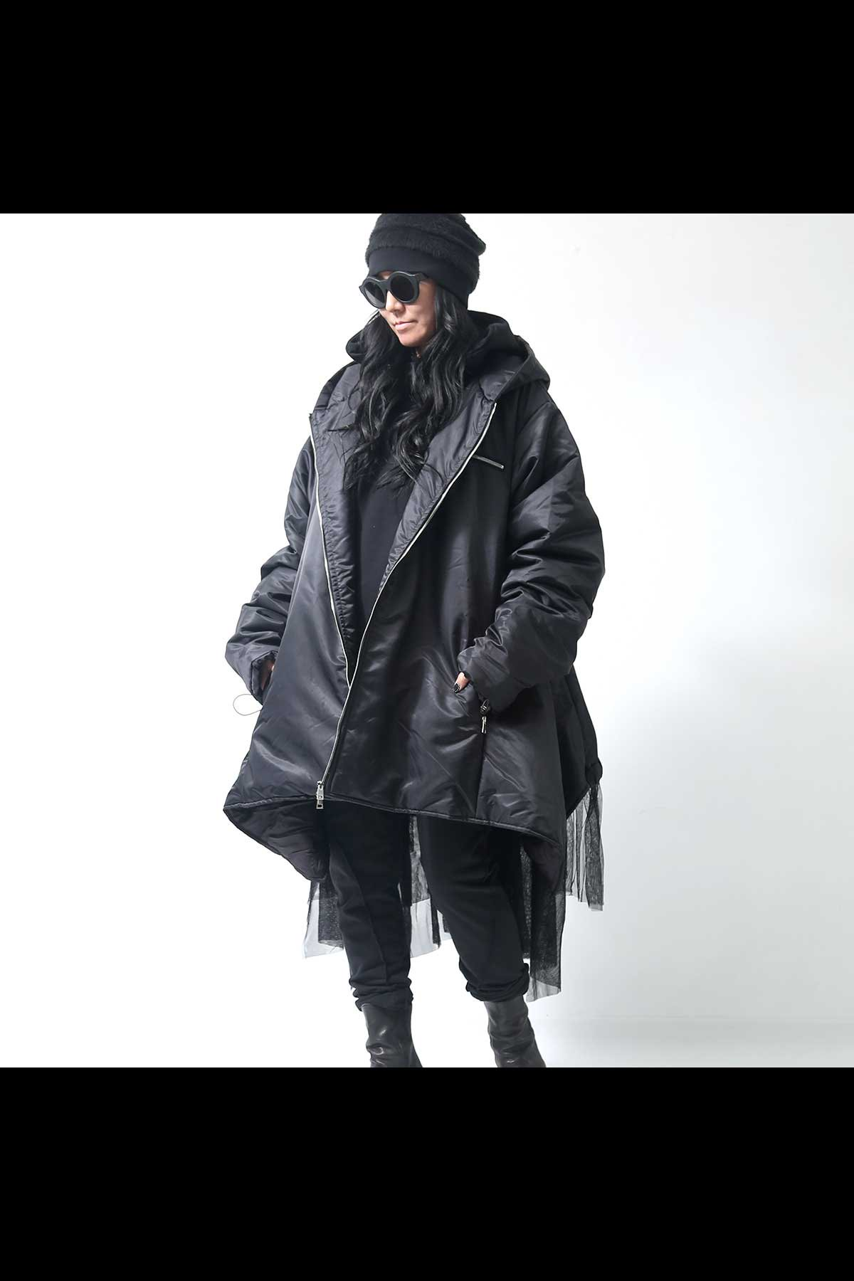 <img class='new_mark_img1' src='https://img.shop-pro.jp/img/new/icons56.gif' style='border:none;display:inline;margin:0px;padding:0px;width:auto;' />NYLON PUFFER JACKET+TULLE BOST-03_BLACK