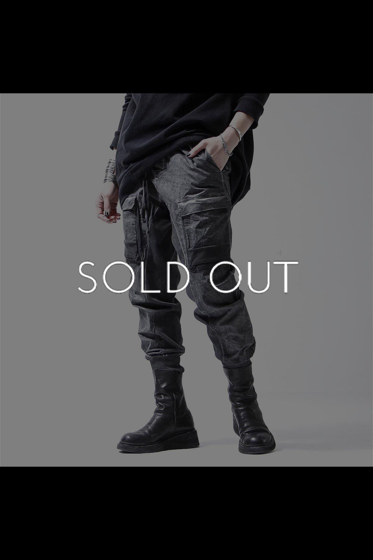 <img class='new_mark_img1' src='https://img.shop-pro.jp/img/new/icons8.gif' style='border:none;display:inline;margin:0px;padding:0px;width:auto;' />UNISEX PATCHED POCKET RIB PANTS MST237_GREY(BLACK OIL)