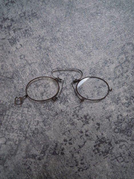 1800年代中期〜1900年代初期 アンティーク バネ式鼻メガネ C-Bridgeタイプ