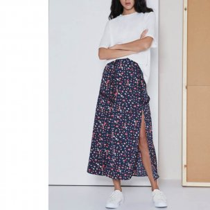 <img class='new_mark_img1' src='https://img.shop-pro.jp/img/new/icons34.gif' style='border:none;display:inline;margin:0px;padding:0px;width:auto;' />the fifth label SONIC SKIRT navy fleur