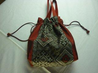 大島紬の巾着袋(マチ付き・竜郷柄赤)