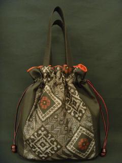 大島紬の巾着袋(マチ付き・竜郷柄黒)