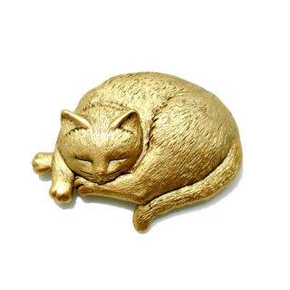 【アウトレット】JJ(ジェイジェイ)☆丸くなって眠る猫のヴィンテージ・ブローチ【アンティークゴールド】