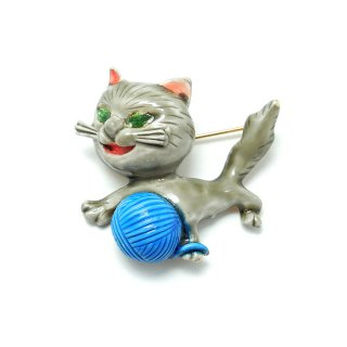 HAR(ハー)☆エナメル 毛糸で遊ぶネコのヴィンテージ・ブローチ